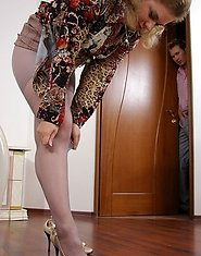 Curious neighbor spying upon mature babe in grey pantyhose dying for sex