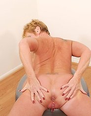 Athletic Anilos granny loves to exercise in the nude