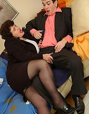 Chubby mature chick is about to give a guy new fucking sensations in office