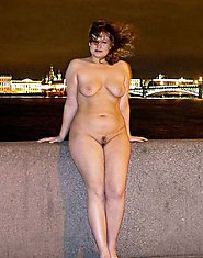 12 pictures of curvy voluptuous women!